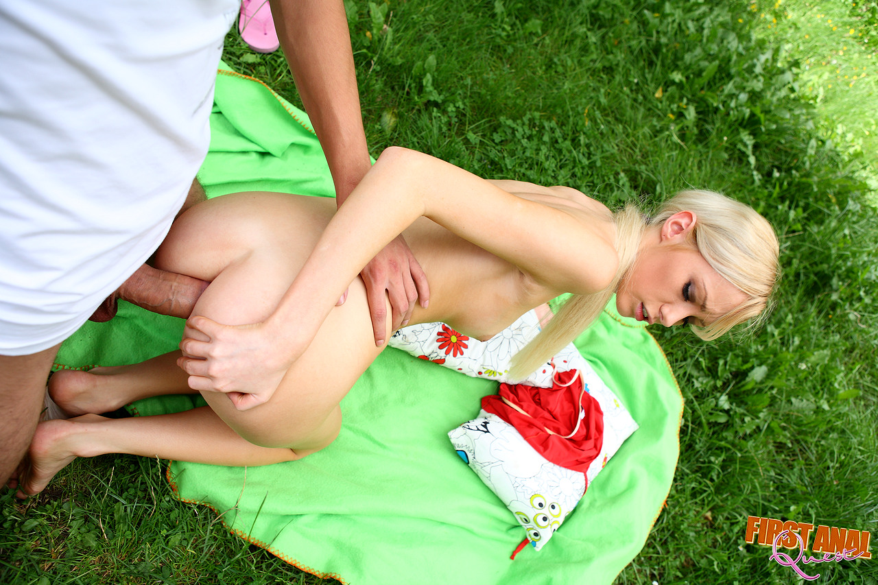 Skinny Blonde Massage Anal